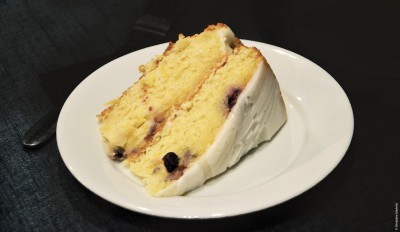 10 BLUEBERRY & LEMON DRIZZLE CAKE