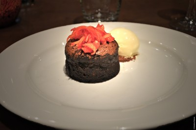 2 - HOT OCUMARE SINGLE ESTATE CHOCOLATE FONDANT WITH WHITE CHOCOLATE ICE-CREAM