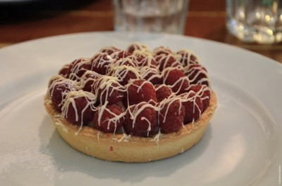 9 - WHITE CHOCOLATE & RASPBERRIES TART