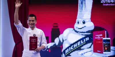 Apres-le-petit-livre-rouge-Michelin-lance-le-guide-rouge-en-Chine