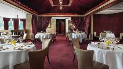 tlhkg-dining-tang-court-cantonese-restaurant-hong-kong-dining-1680x945