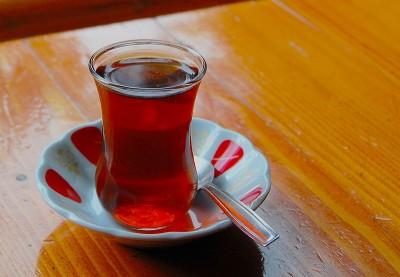 verre à thé à la menthe turc