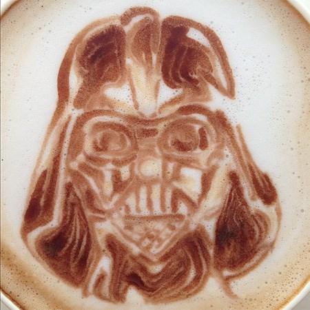 dark vador-latte-art