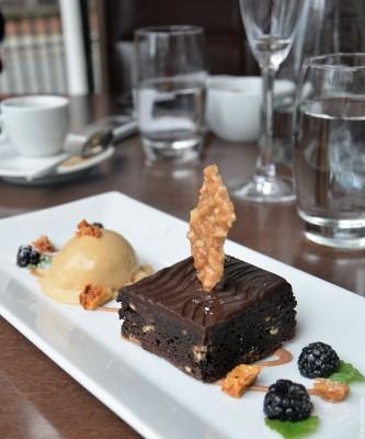6 - CHOCOLATE & PEANUT BROWNIE WITH SALTED CARAMEL ICE CREAM & PEANUT BRITTLE