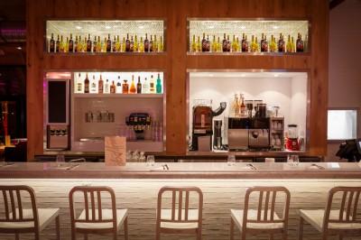 My Pop Cie Burgers, ou l'Amérique vue sur Seine, bar, comptoir